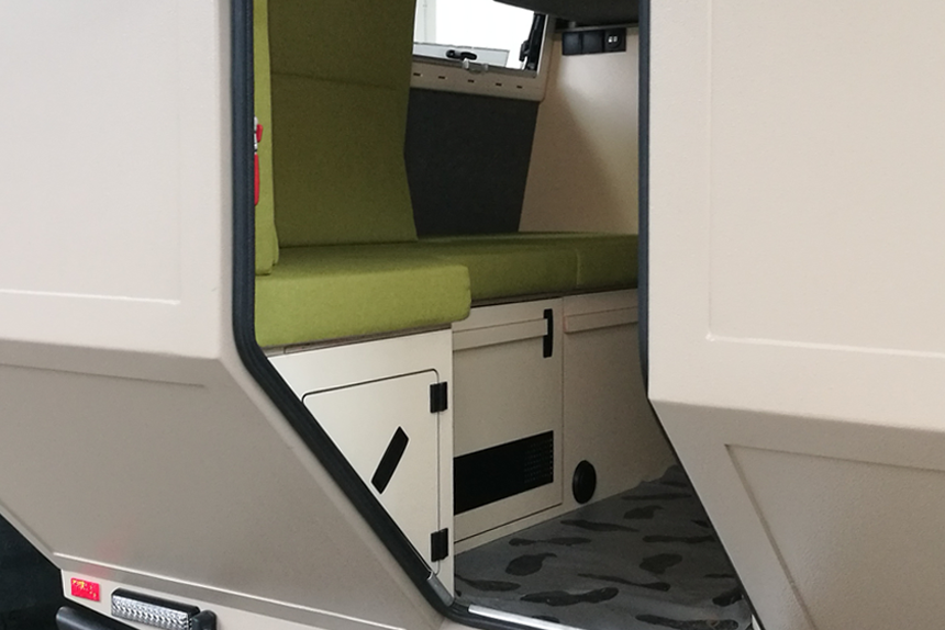 caravan wohnwagen polster polsterarbeiten. Black Bedroom Furniture Sets. Home Design Ideas